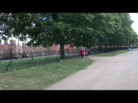 Cycling Thames path by Hampton Court Palace